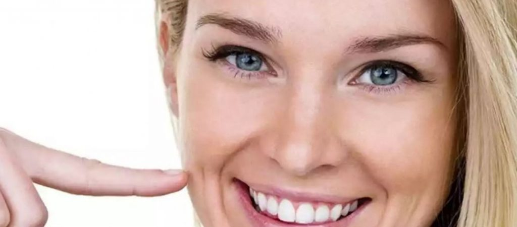 Γιατί Είναι Τόσο Ξεχωριστό το Λακκάκι Ανάμεσα στη Μύτη και τα Χείλια