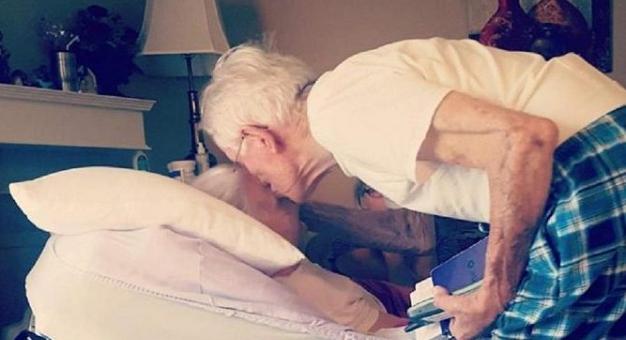 Πριν Πεθάνει η Γιαγιά ο Παππούς της Ψιθύρισε κάτι. Ένα Χρόνο Μετά Συνέβη μία Ανατριχιαστική Σύμπτωση!