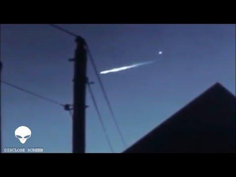 Άγνωστο Αντικείμενο Βγαίνει μέσα από Μετεωρίτη και άλλα παράξενα (video)