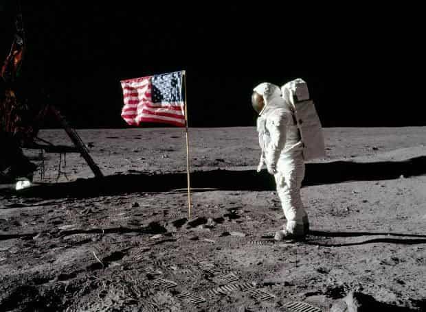 Apollo 11: Το Αυθεντικό Βίντεο της Προσελήνωσης. Ένα μικρό βήμα για τον άνθρωπο, ένα μεγάλο άλμα για την ανθρωπότητα!