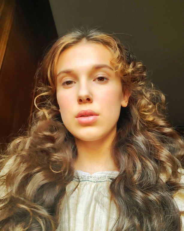 Το κοριτσάκι της φωτογραφίας είναι η πασίγνωστη πρωταγωνίστρια της αγαπημένης σου σειράς στο Netflix
