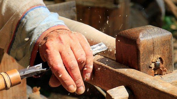Ο Ξυλουργός που Έκτιζε Γέφυρες Αντί για Φράκτες. Μία διδακτική ιστορία