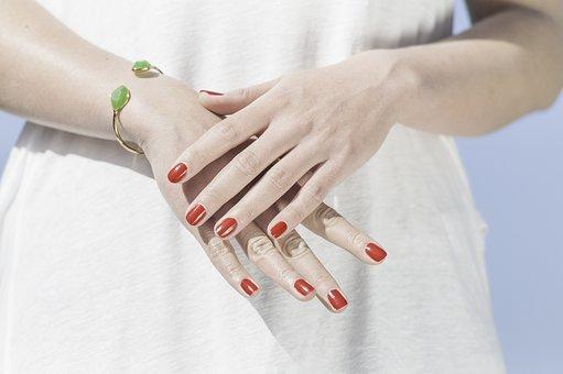 Νύχια: Τι αποκαλύπτει το σχήμα τους για το χαρακτήρα σου