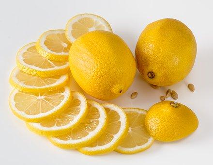Λεμόνι: Πόσα πράγματα μπορείς να κάνεις, εκτός συνταγές και λεμονάδα!