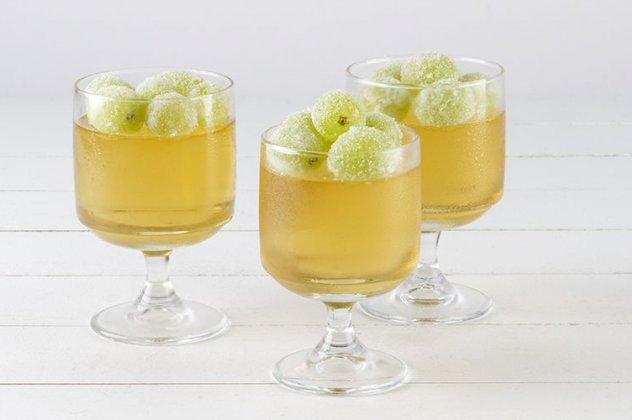 Δροσερό Ζελέ Κρασιού με Σταφύλια έχετε δοκιμάσει;