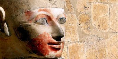 Αποκαλύφθηκαν τα μυστικά της βασίλισσας Χατσεψούτ που ντυνόταν Άντρας Φαραώ