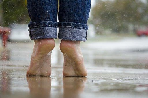 Πέντε σοβαρά προβλήματα υγείας που αποκαλύπτουν τα πόδια μας