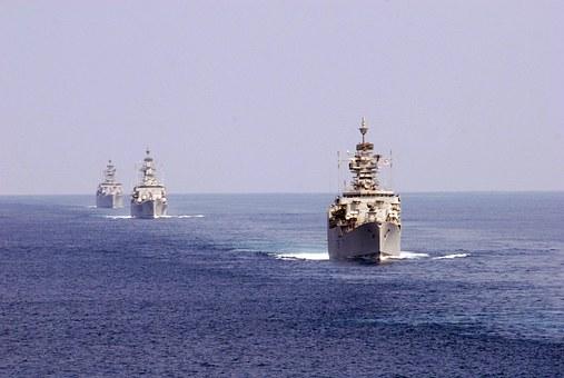 """Πολεμικά πλοία Ελλάδας και Τουρκίας Συγκεντρώνονται μεταξύ Ρόδου και Καστελλόριζου ανεβάζουν το """"θερμόμετρο"""""""