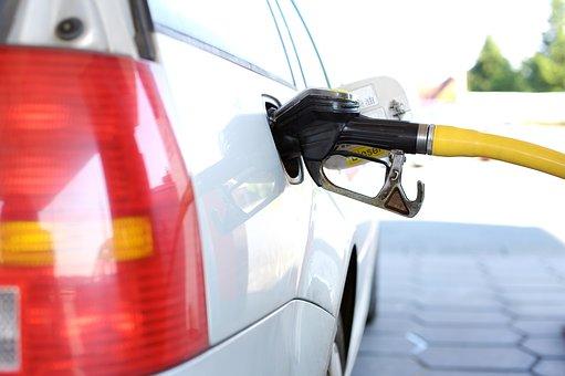 Αυξήσεις στη βενζίνη, πιθανότατα σε σούπερ μάρκετ και πετρέλαιο θέρμανσης