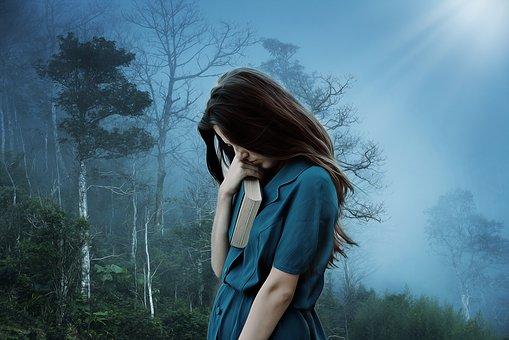 Η κατάθλιψη δεν είναι κατάρα αλλά η προσπάθεια της ψυχής να μας μιλήσει δυνατά