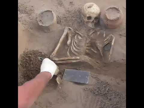 Αρχαιολόγοι βρήκαν αντικείμενο που παραπέμπει σε αρχαίο iphone 2.137 ετών στην ρωσική «Ατλαντίδα»