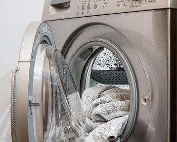 Πλυντήριο ρούχων: Πέντε λάθη που κάνουν οι περισσότεροι όταν βάζουν ρούχα για πλύσιμο