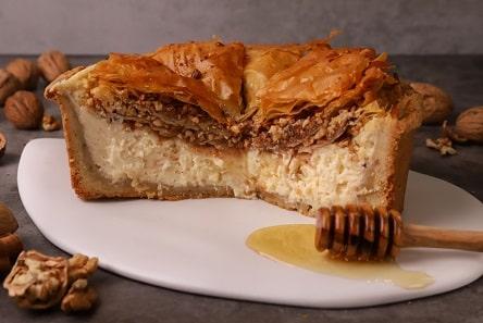 Συνταγή για Cheesecake με μπακλαβά. Δύο γλυκά σε ένα