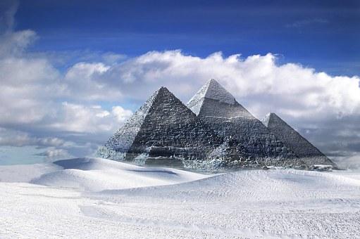 Γιατί ο κόσμος είναι γεμάτος πυραμίδες