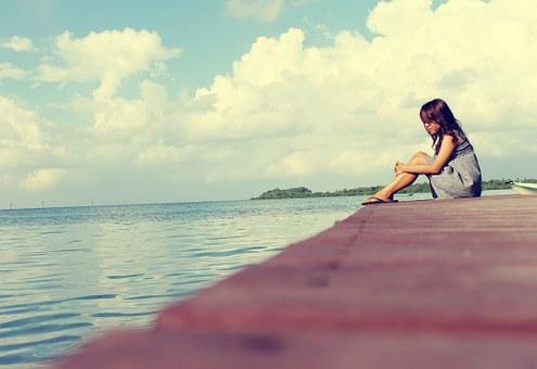 Όταν σε αδειάζουν ξανά και ξανά, μάθε να γεμίζεις μόνος σου την ψυχή σου