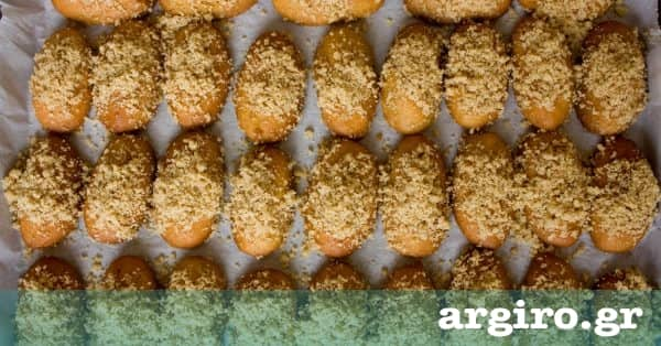 Μυστικά για τα τελειότερα μελομακάρονα από την Αργυρώ Μπαρμπαρίγου