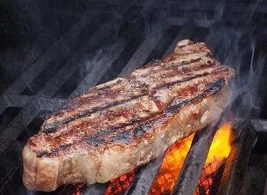 Κρέας: Τεχνικές ψησίματος που μειώνουν τις καρκινογόνες ουσίες κατά 90%
