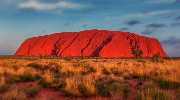 Η κατάρα του βράχου που πλέον απαγορεύεται να επισκεφτείς στην Αυστραλία