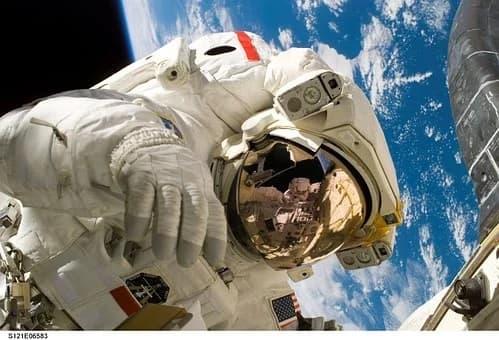 Πώς η έλλειψη βαρύτητας επηρεάζει τον εγκέφαλο των αστροναυτών