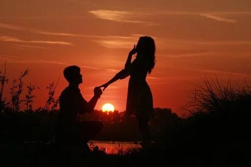 Πώς έκαναν πρόταση γάμου οι αρχαίοι Έλληνες