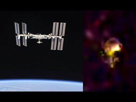 Η NASA «έκοψε» Ρώσο κοσμοναύτη μόλις αναφέρθηκε σε «ένα σκάφος» σε ζωντανή σύνδεση με τον ΔΔΣ (video)