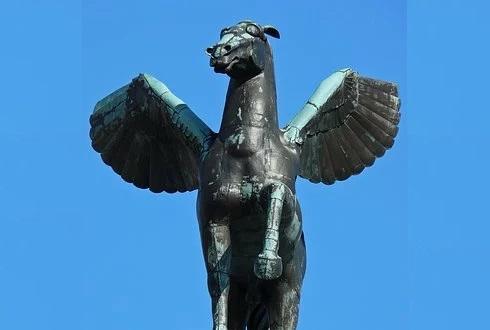 Υβριδικά και ιδιότυπα όντα στην Αρχαία Ελληνική Μυθολογία