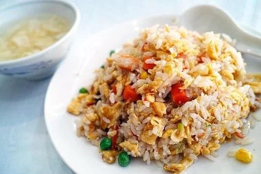 Τεχνικές εστιατορίων για νόστιμο ρύζι στο σπίτι μας
